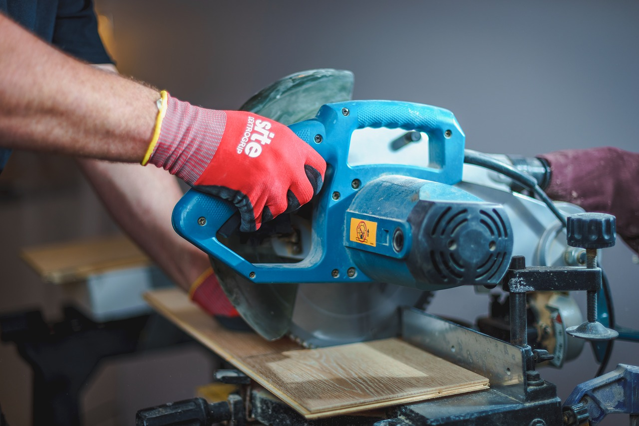 Best Sander for Furniture | Our Top Choice For June 2020 1